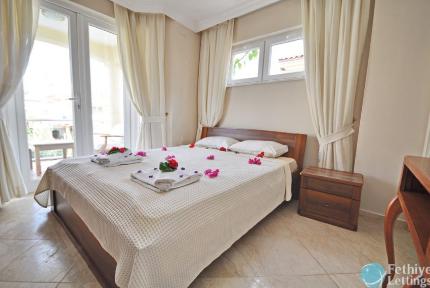 Villa with Private Beach for Rent Fethiye Lettings 18